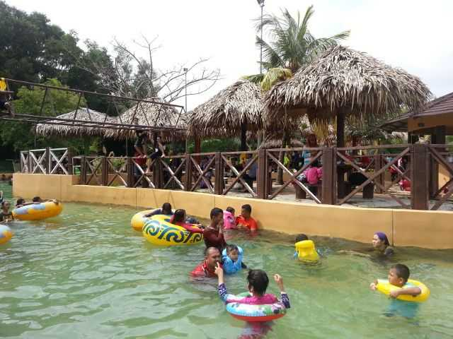 Lazy River di The Carnival Sungai Petani.