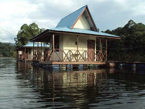 Tasik Pergau Sanctuary Resort.